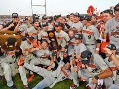 Oregon State Wins 2018 CWS vs Arkansas