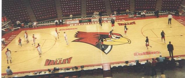 A 2007 game between the Illinois State Redbirds & the Ball State Cardinals.