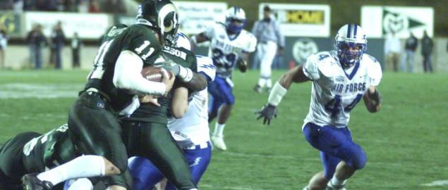 Colorado State QB Bradlee Van Pelt running against Air Force defense in 2003 game.