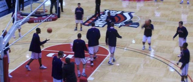 The 2009-10 Dukes warming up before a game.