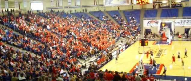 Liberty University men's basketball in 2008.