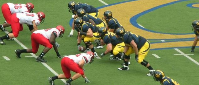 The California Golden Bears on offense against the Eastern Washington Eagles.