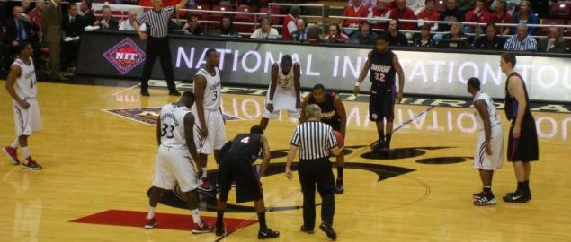 Dayton Flyers at UC Bearcats NIT.