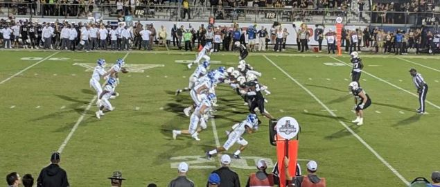 Memphis QB White passing during 4th quarter of '18 AAC Championhsip game vs UCF.