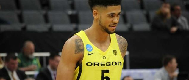 Oregon's Tyler Dorsey playing in the 2017 round of 64 game.